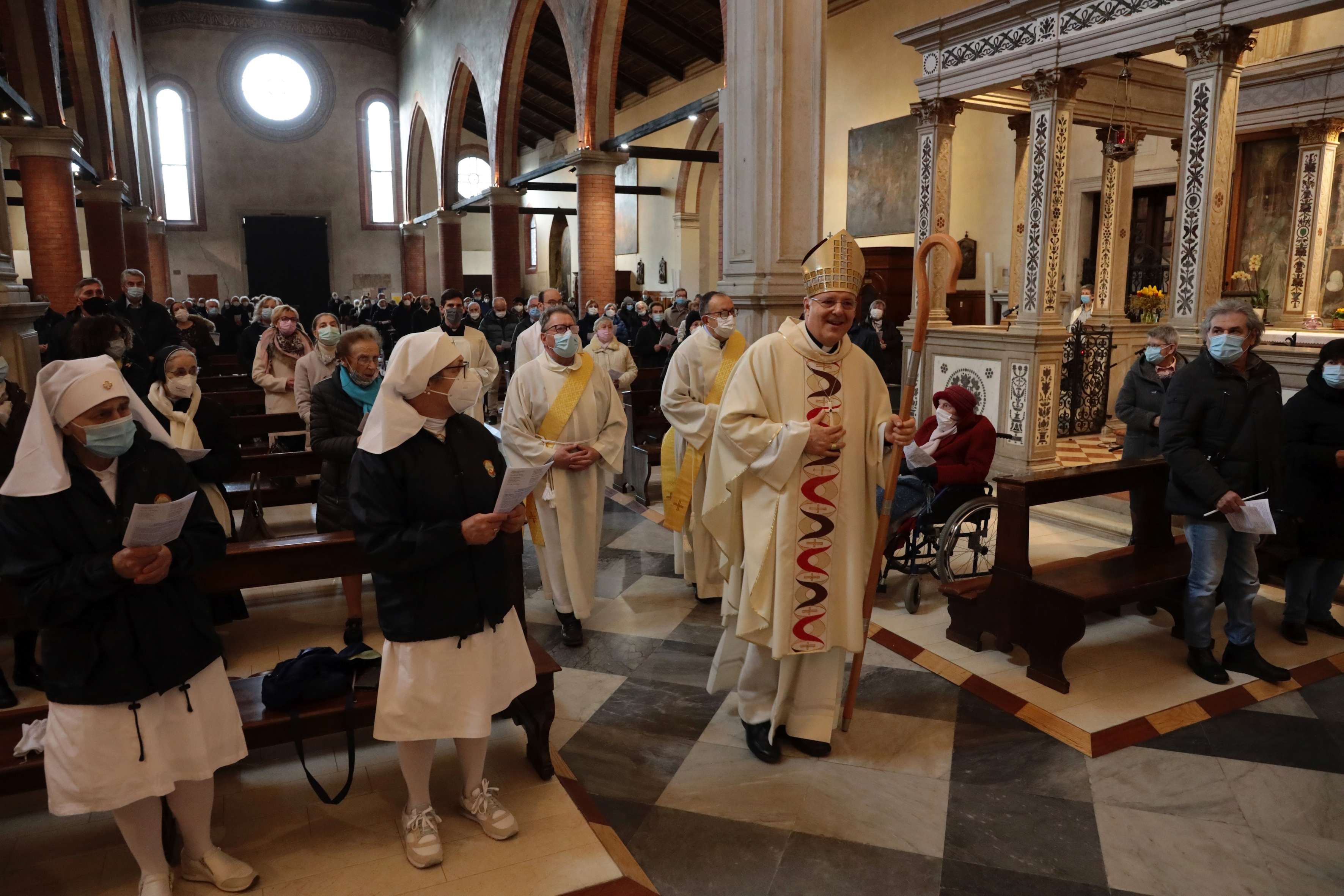 Giornata mondiale del malato, il vescovo Tomasi celebra la messa a Madonna  Granda