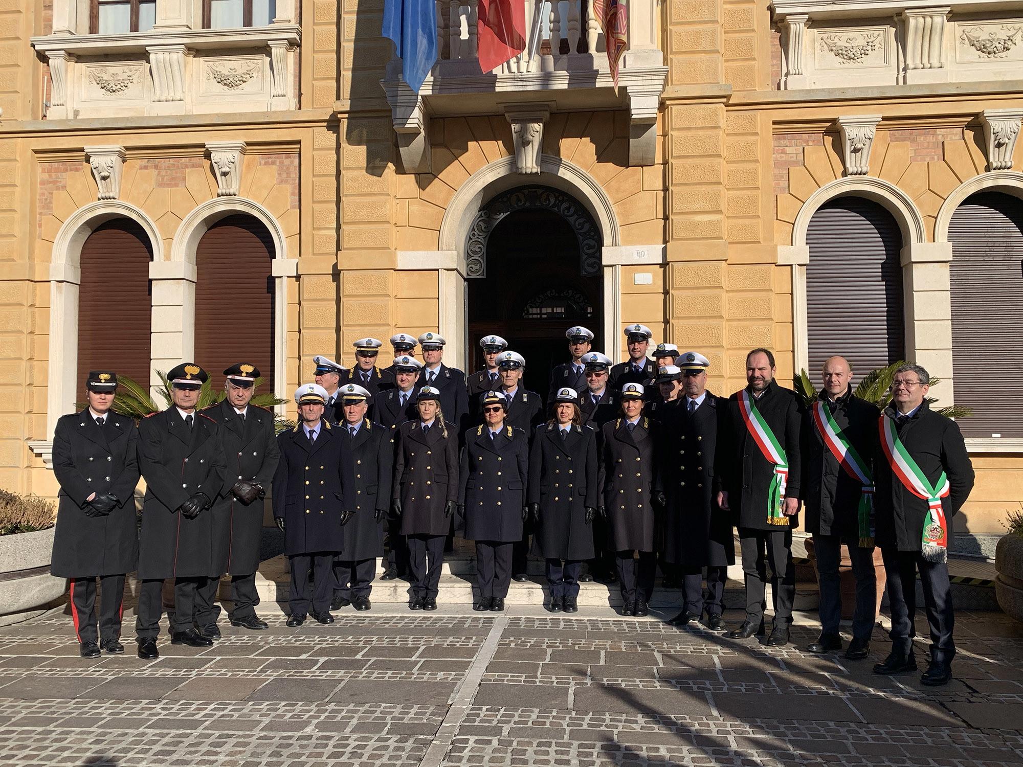 Vigili sindaci e comandanti carabinieri-2