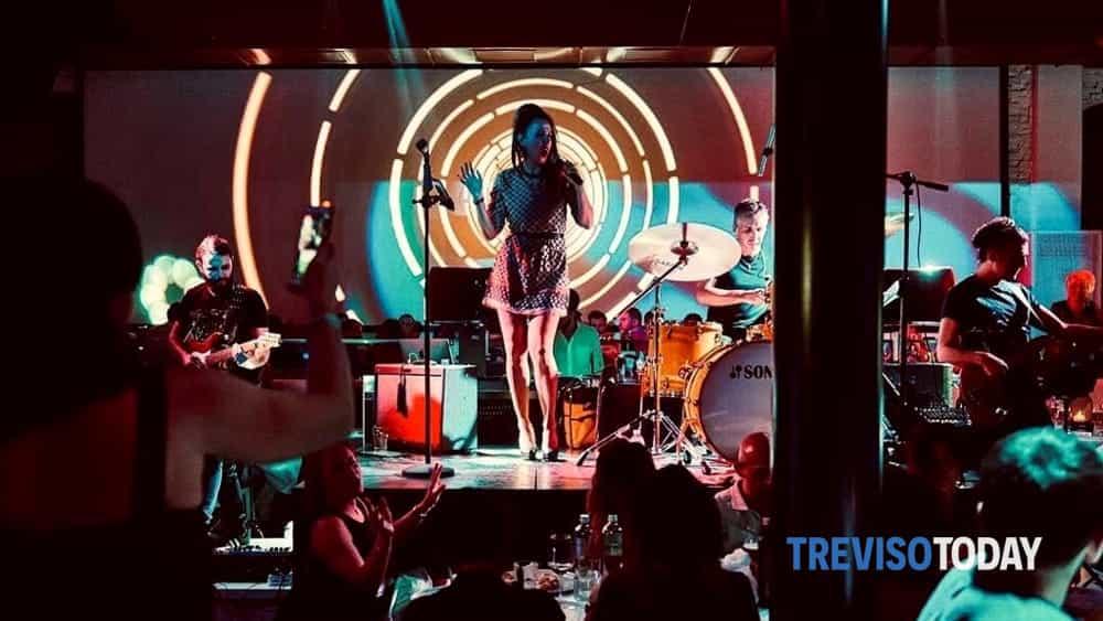 irene guglielmi presenta il nuovo album irandom al corner live-2