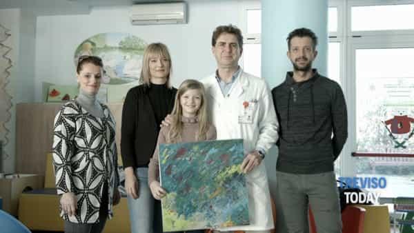 Le opere della piccola pittrice Irene dedicate ai bimbi della pediatria di Treviso