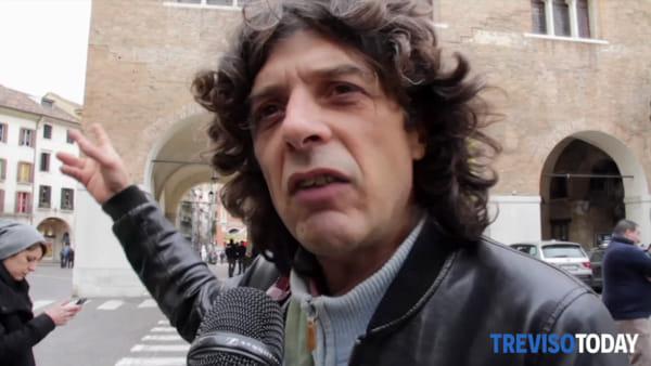 I nomadi protestano in piazza a Treviso: «Stop agli sgomberi»