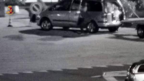 Furti nelle aree di sosta in autostrada, sette persone arrestate