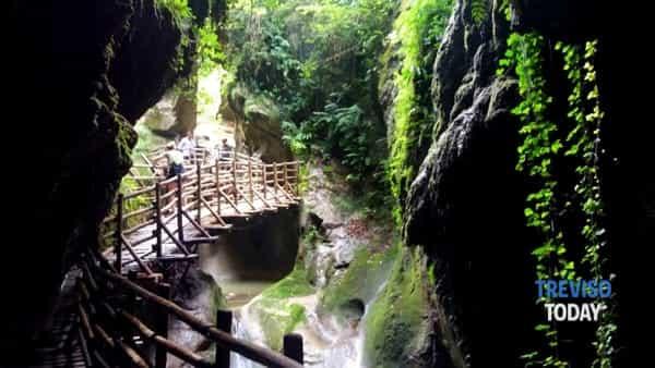 Le spettacolari Grotte del Caglieron e il Sentiero degli scalpellini