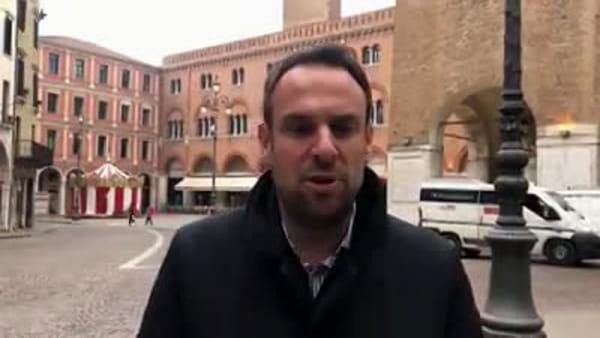 Mario Conte in una piazza dei Signori deserta: «Non facciamoci prendere dal panico»