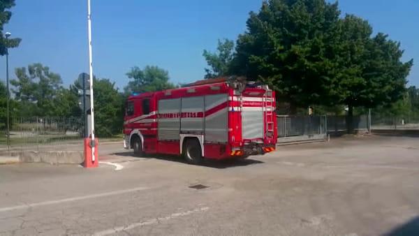Esplosione in autostrada a Bologna, intervengono anche i vigili del fuoco di Treviso