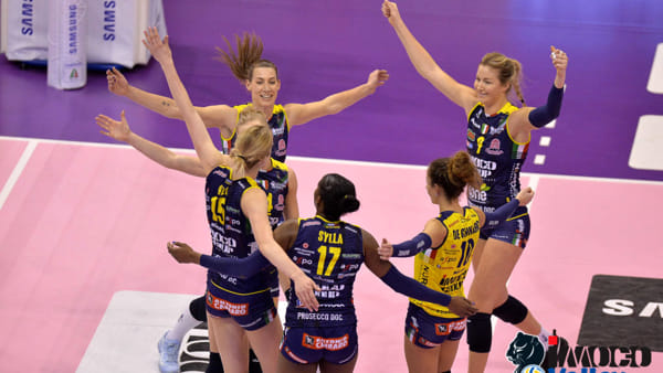 Super domenica per l'Imoco Volley al Palaverde: battuta la bestia nera Scandicci