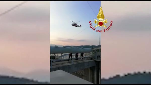 Nei guai mentre cerca di attraversare il Piave: 30enne salvato dall'elisoccorso