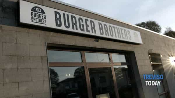 "In Fonderia sbarca ""Burger Brothers"": l'incasso dell'inaugurazione in beneficenza"