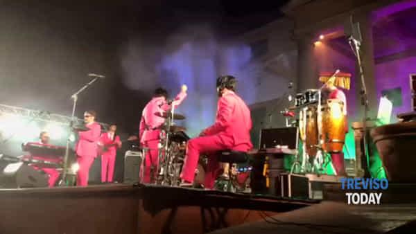 Concerto-evento a villa Emo per i 10 anni dei Los Massadores: uno spettacolo puro