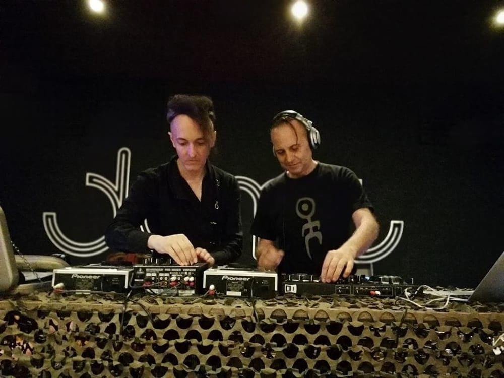 In foto Giorgio Ricci e Diego Merletto alla consolle